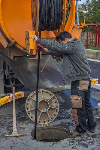 Camión cuba para desatascos en Barcelona